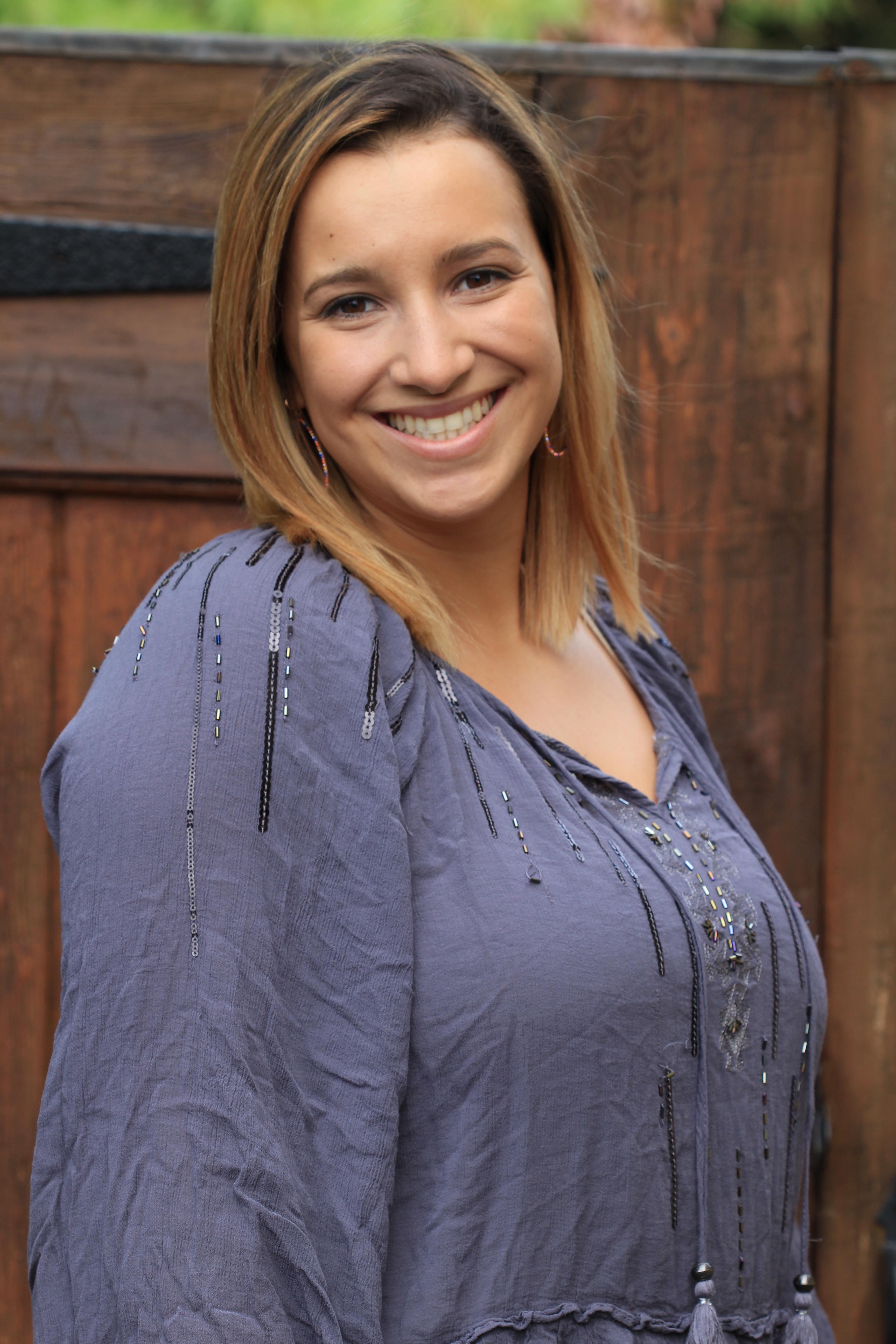 Robyn Flores